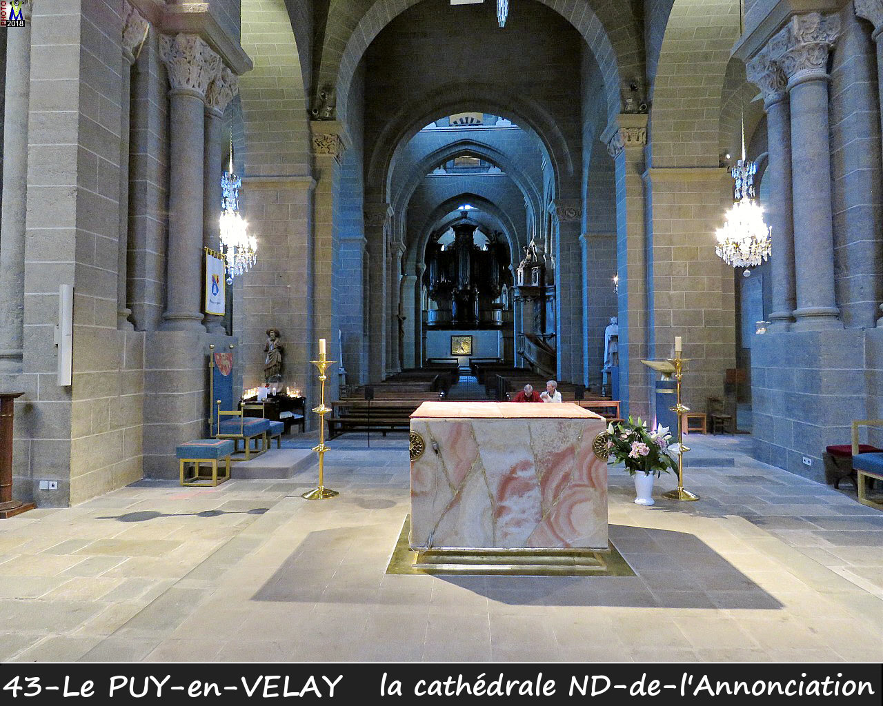 43PUY-EN-VELAY_cathedrale_202.jpg