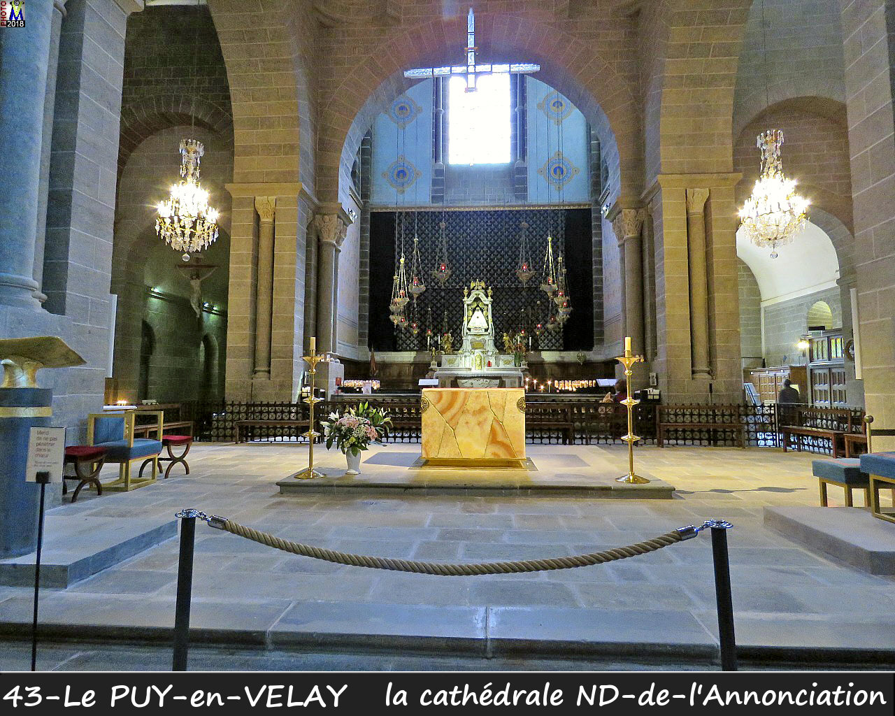 43PUY-EN-VELAY_cathedrale_210.jpg