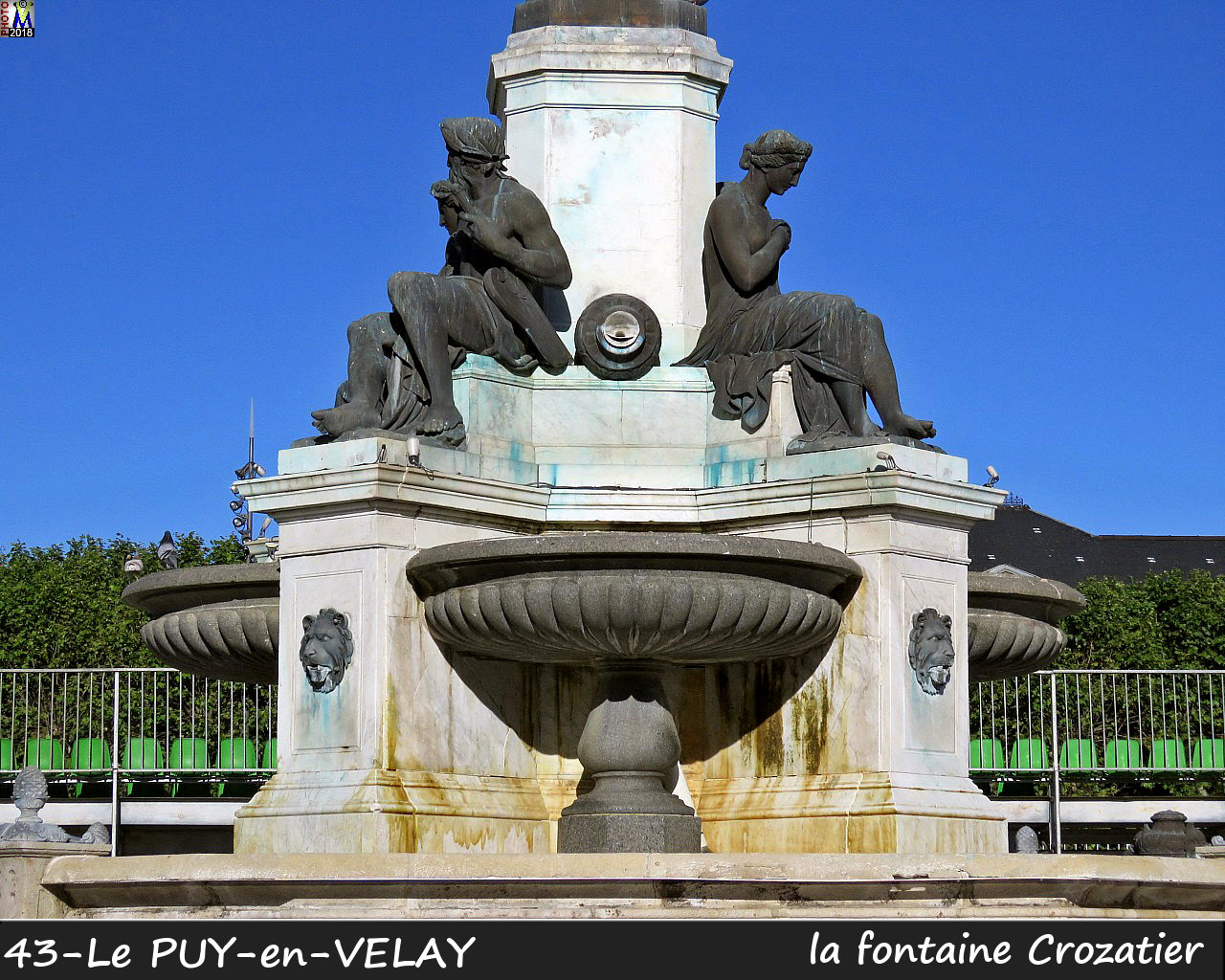 43PUY-EN-VELAY_fontaine_106.jpg
