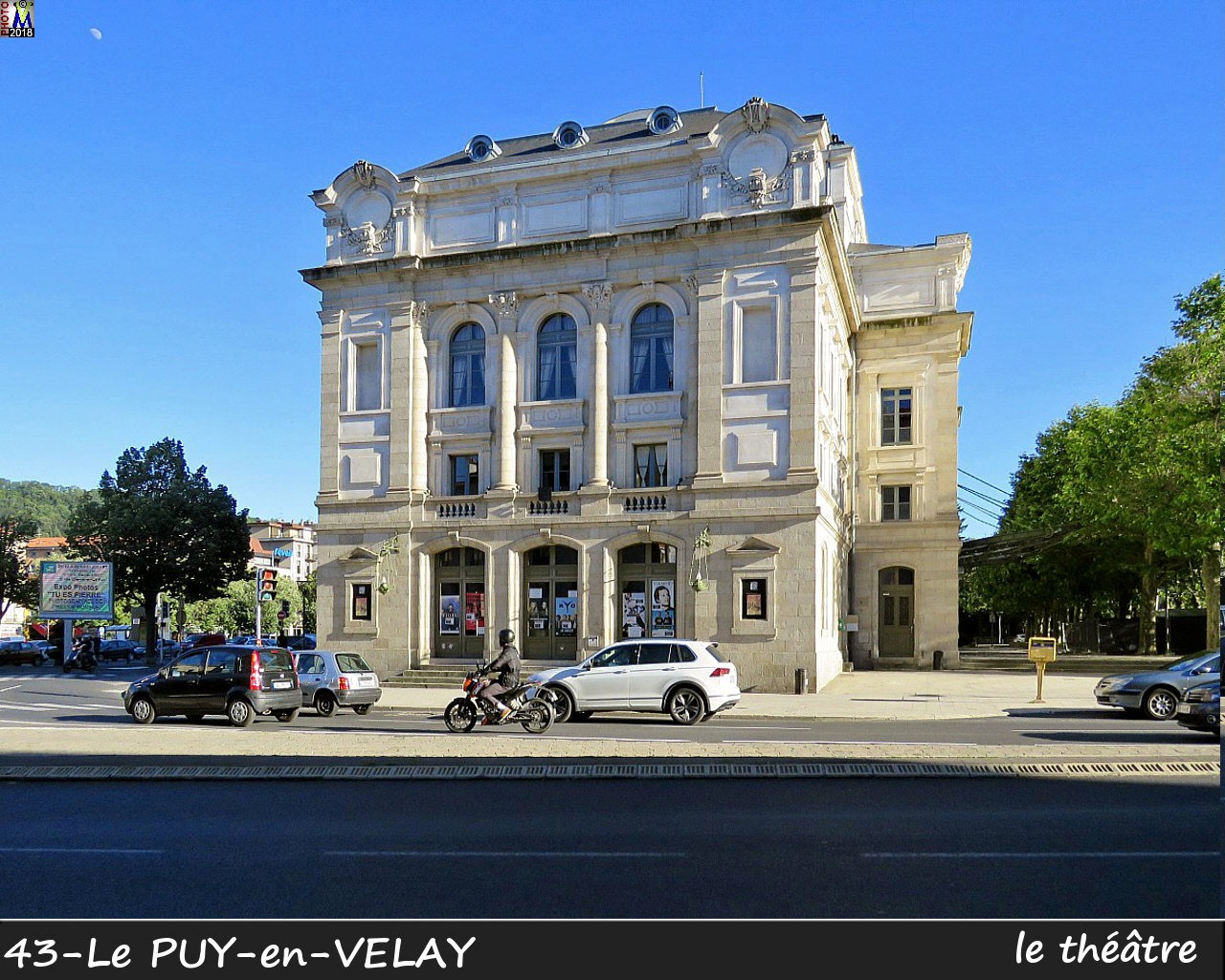 43PUY-EN-VELAY_theatre_102.jpg