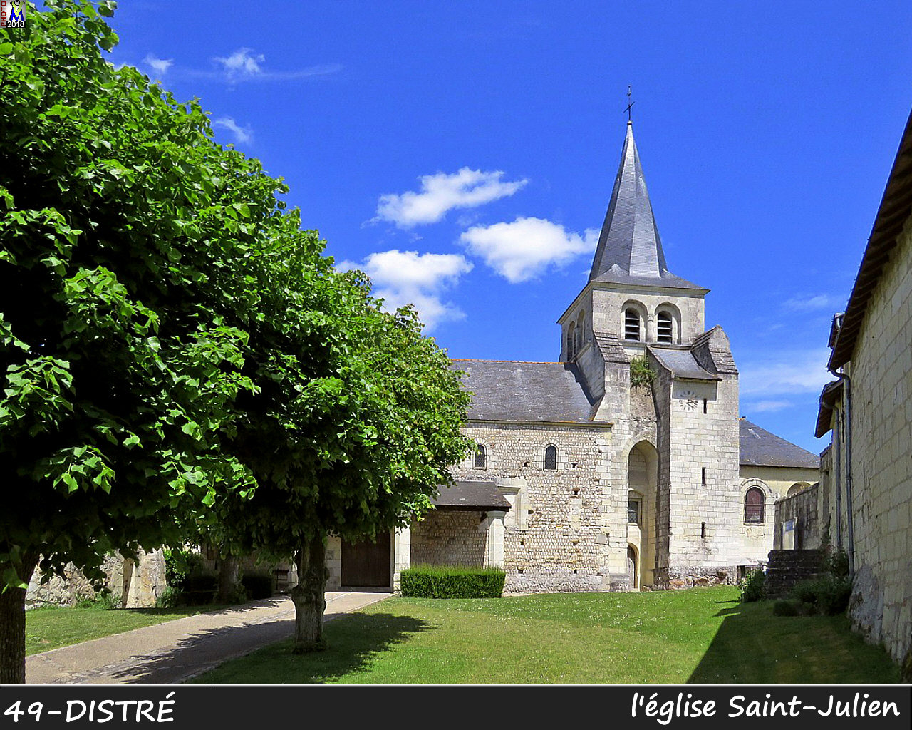 49DISTRE_eglise_1000.jpg