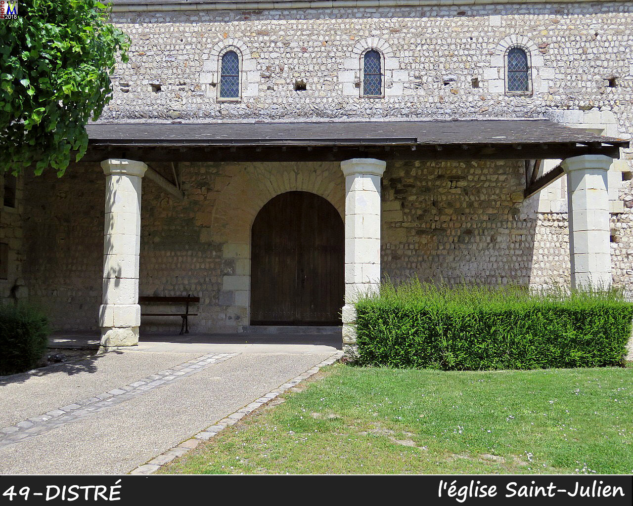 49DISTRE_eglise_104.jpg