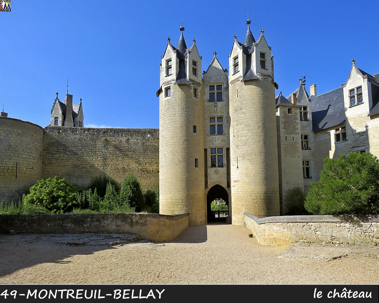 49MONTREUIL-BELLAY_chateau_1002.jpg