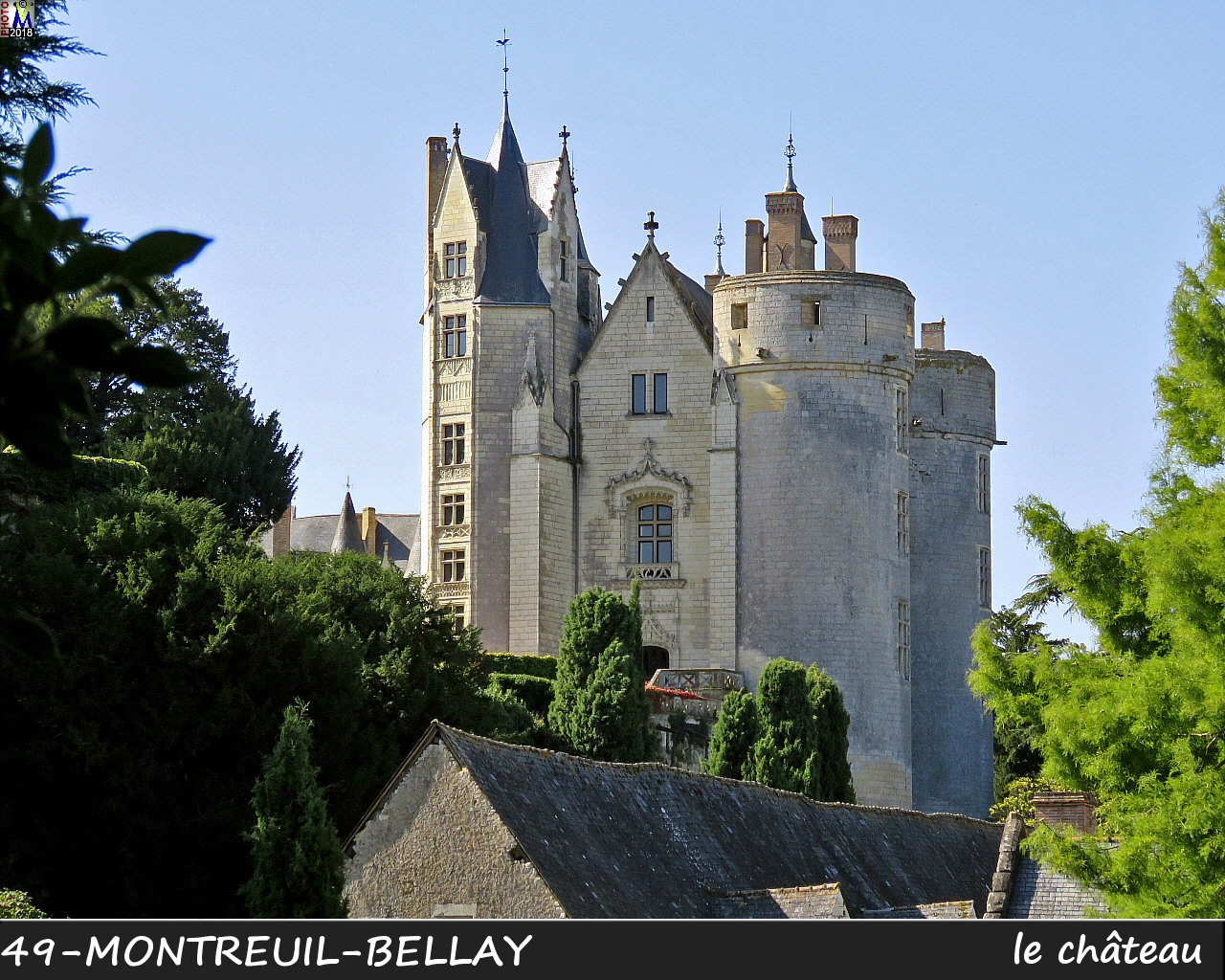 49MONTREUIL-BELLAY_chateau_1008.jpg