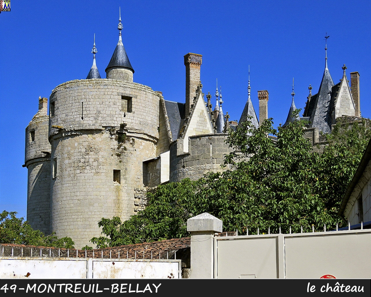 49MONTREUIL-BELLAY_chateau_1036.jpg