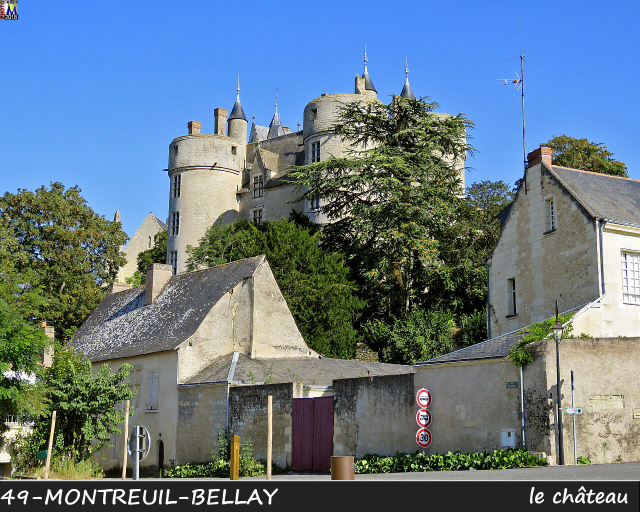 49MONTREUIL-BELLAY_chateau_1048.jpg