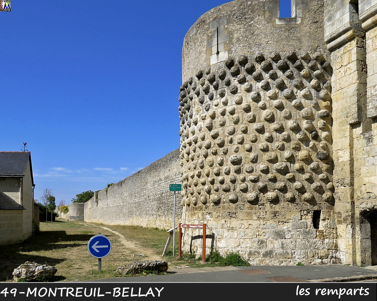 49MONTREUIL-BELLAY_remparts_1000.jpg