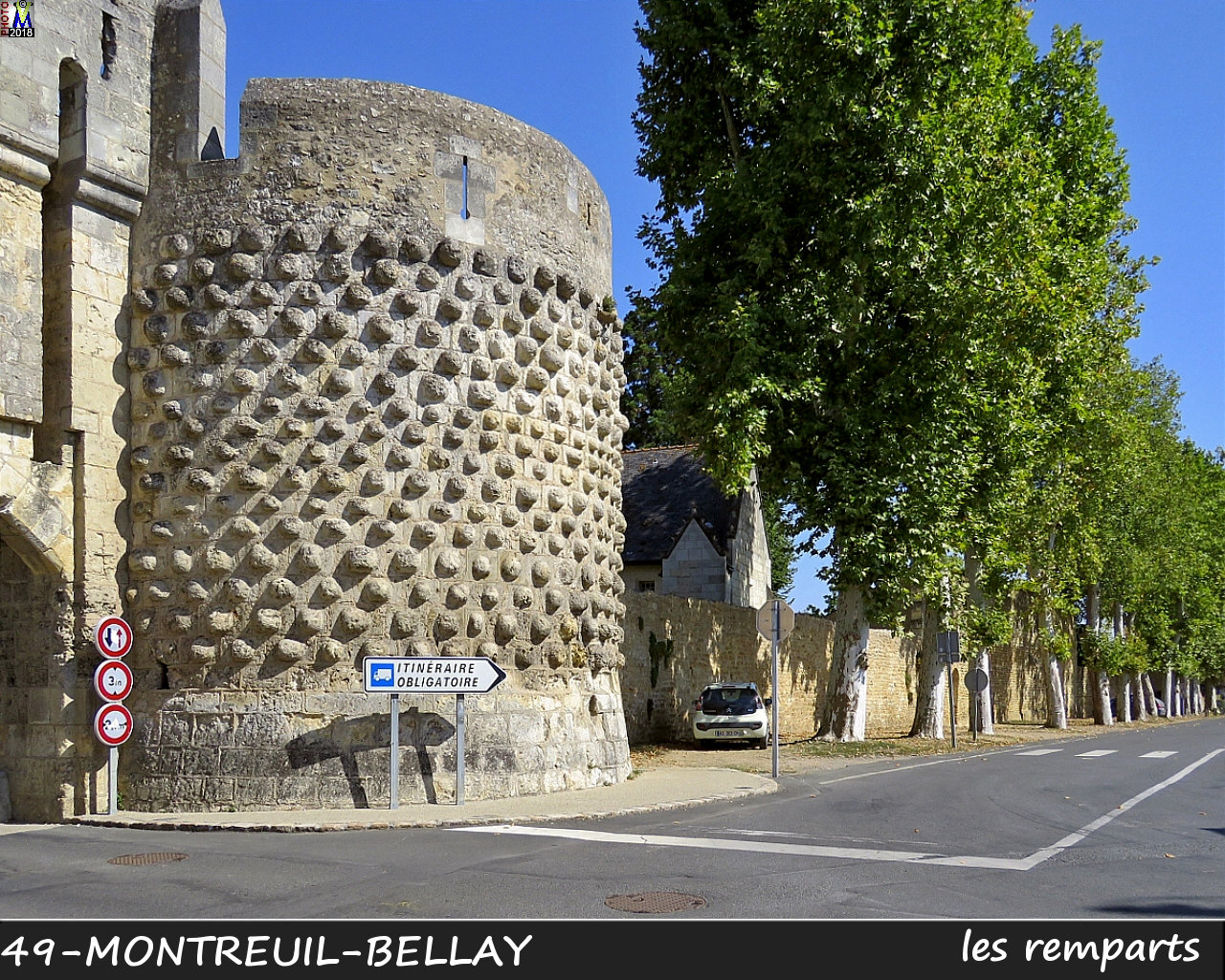 49MONTREUIL-BELLAY_remparts_1002.jpg