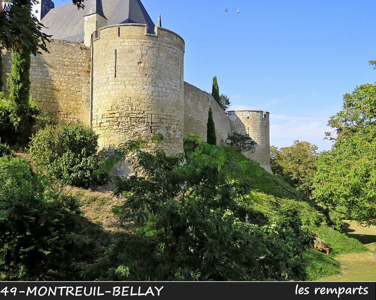 49MONTREUIL-BELLAY_remparts_1022.jpg