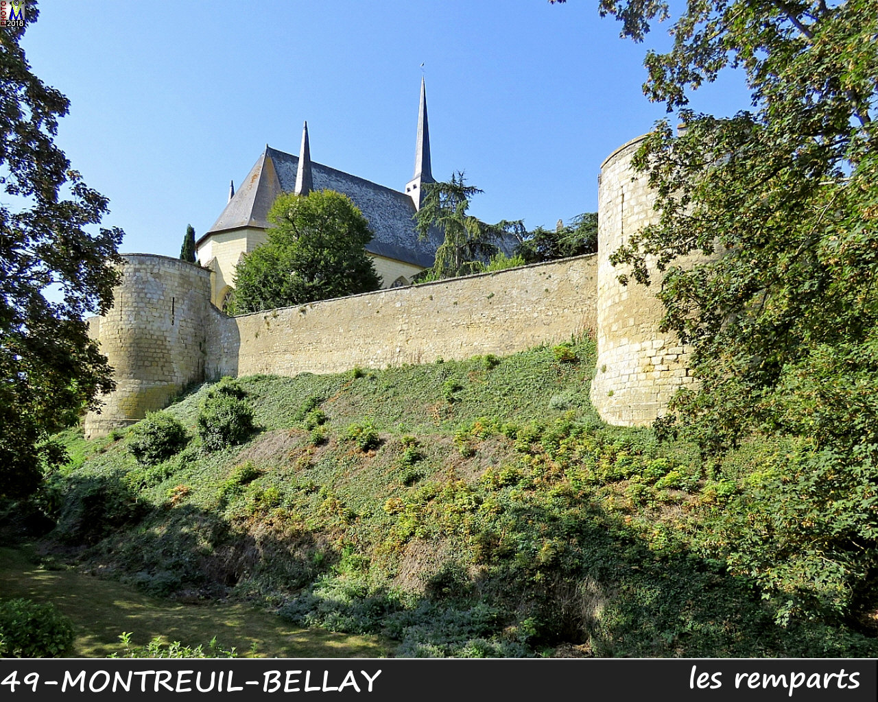 49MONTREUIL-BELLAY_remparts_1032.jpg