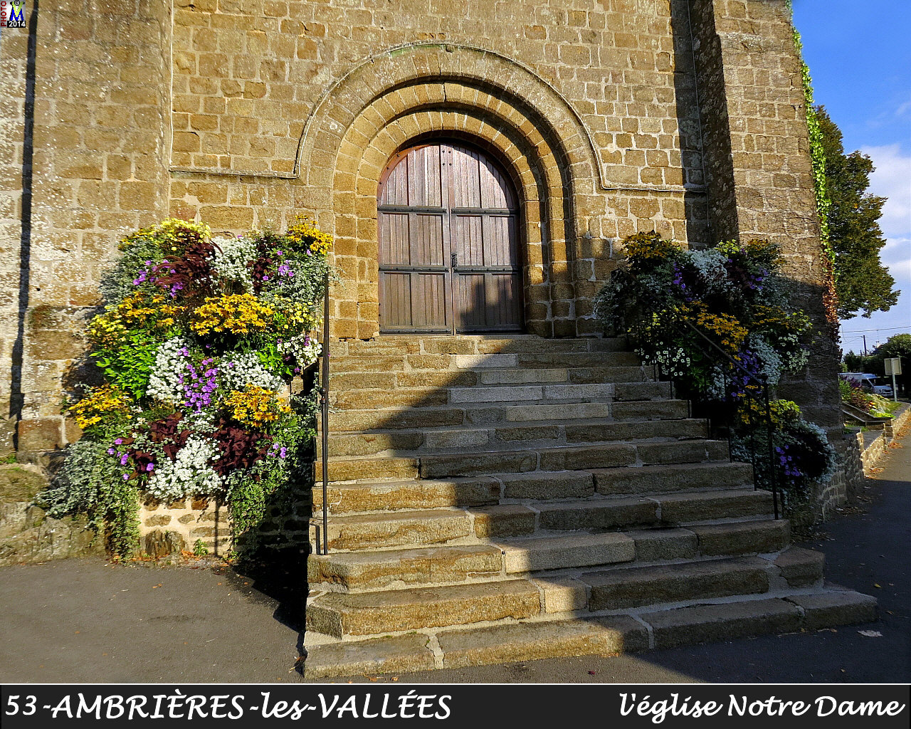 53AMBRIERES-VALLEES_eglise_108.jpg