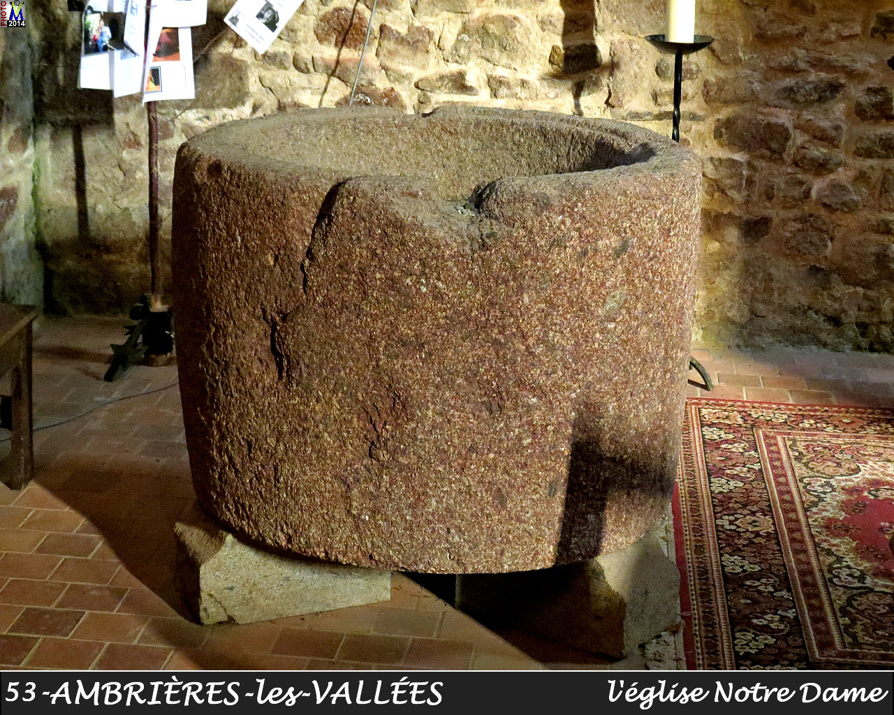 53AMBRIERES-VALLEES_eglise_2250.jpg
