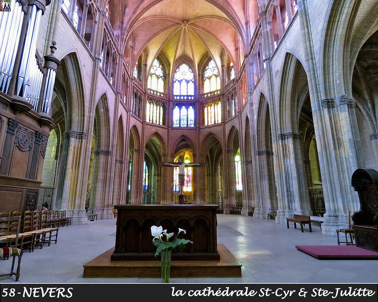 58NEVERS-cathedrale_202.jpg