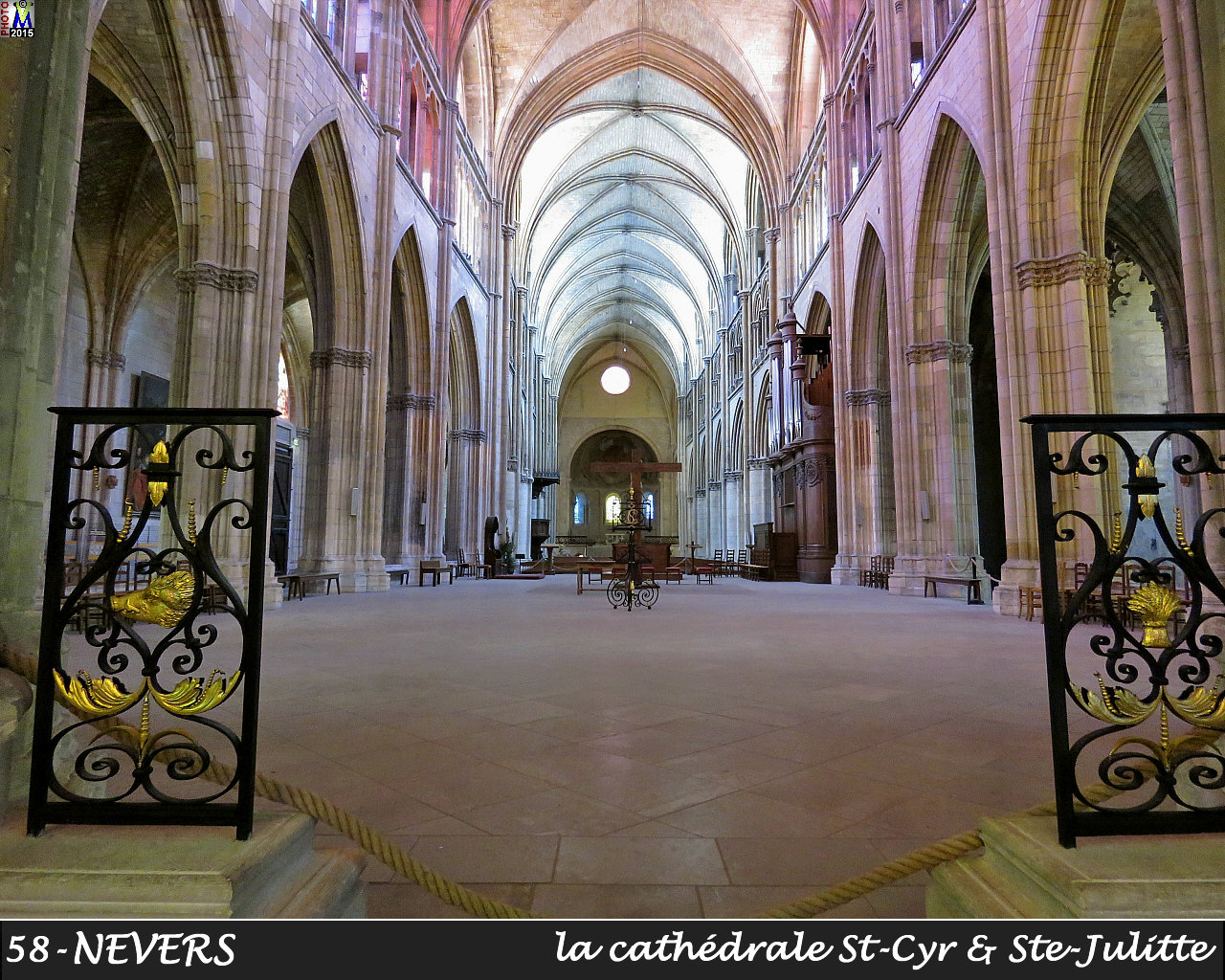 58NEVERS-cathedrale_206.jpg