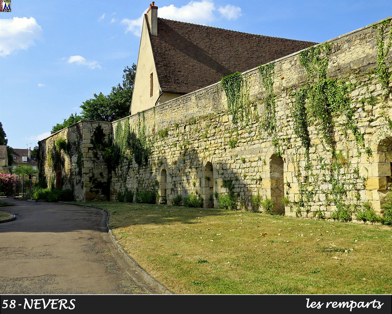 58NEVERS-remparts_100.jpg