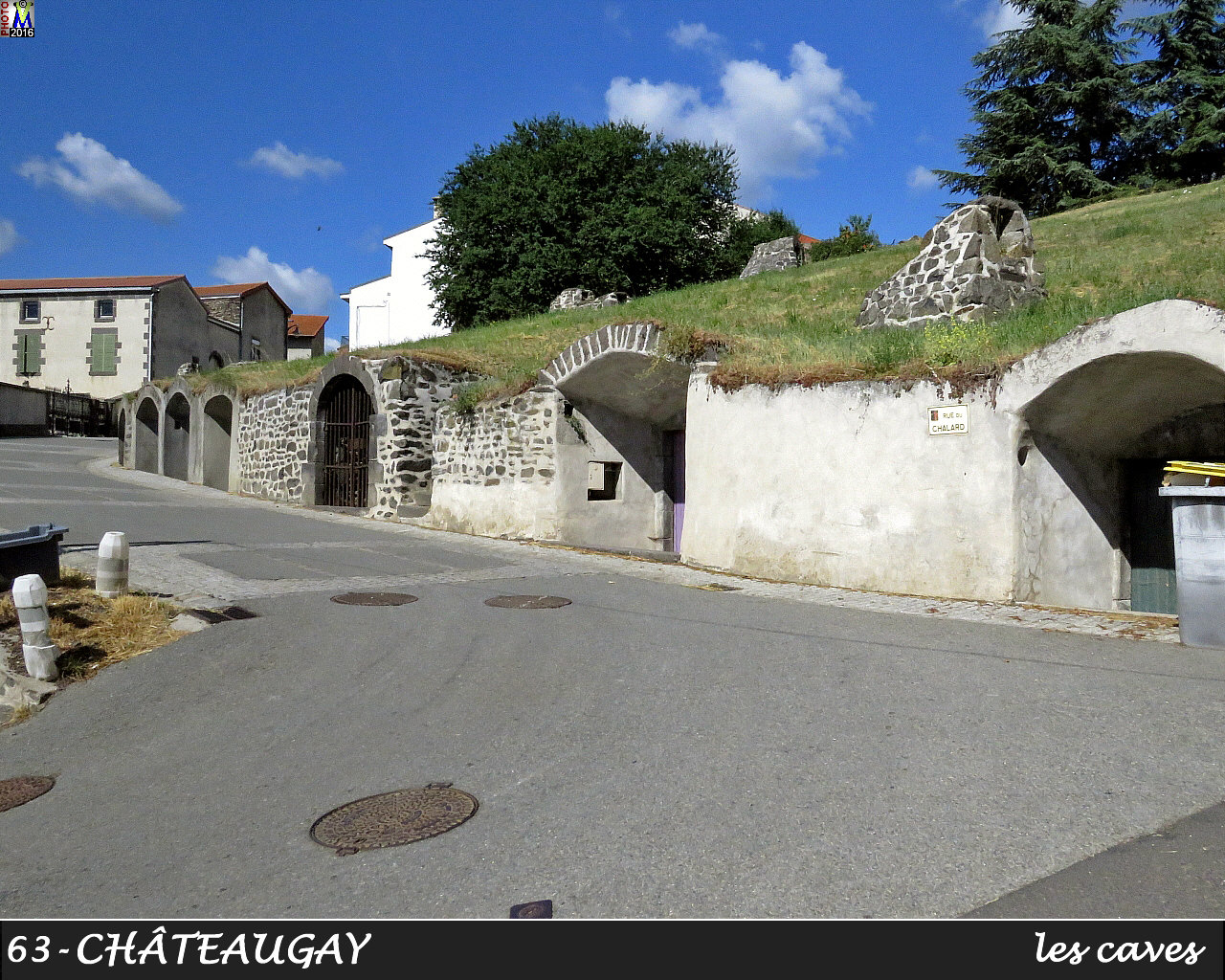 63CHATEAUGAY_caves_100.jpg