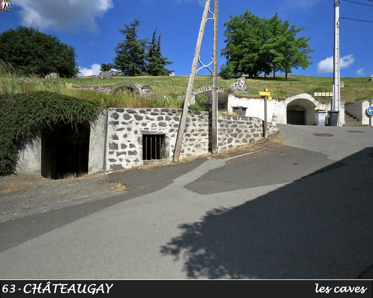 63CHATEAUGAY_caves_102.jpg