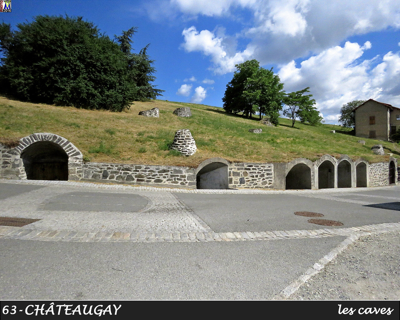 63CHATEAUGAY_caves_104.jpg