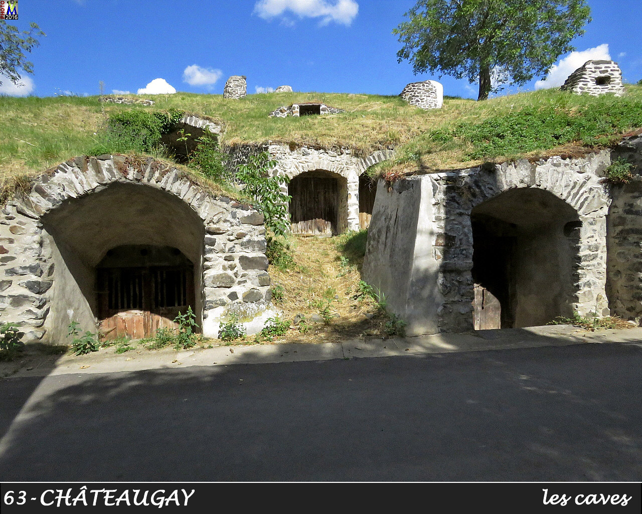 63CHATEAUGAY_caves_110.jpg