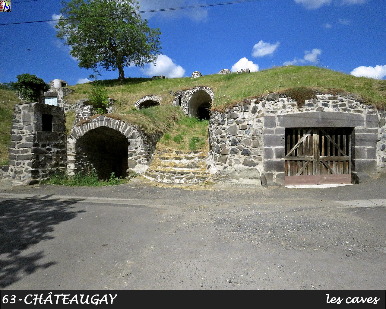 63CHATEAUGAY_caves_112.jpg