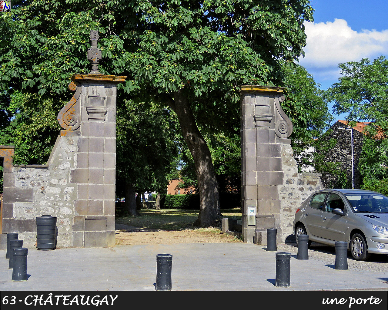 63CHATEAUGAY_porte_110.jpg