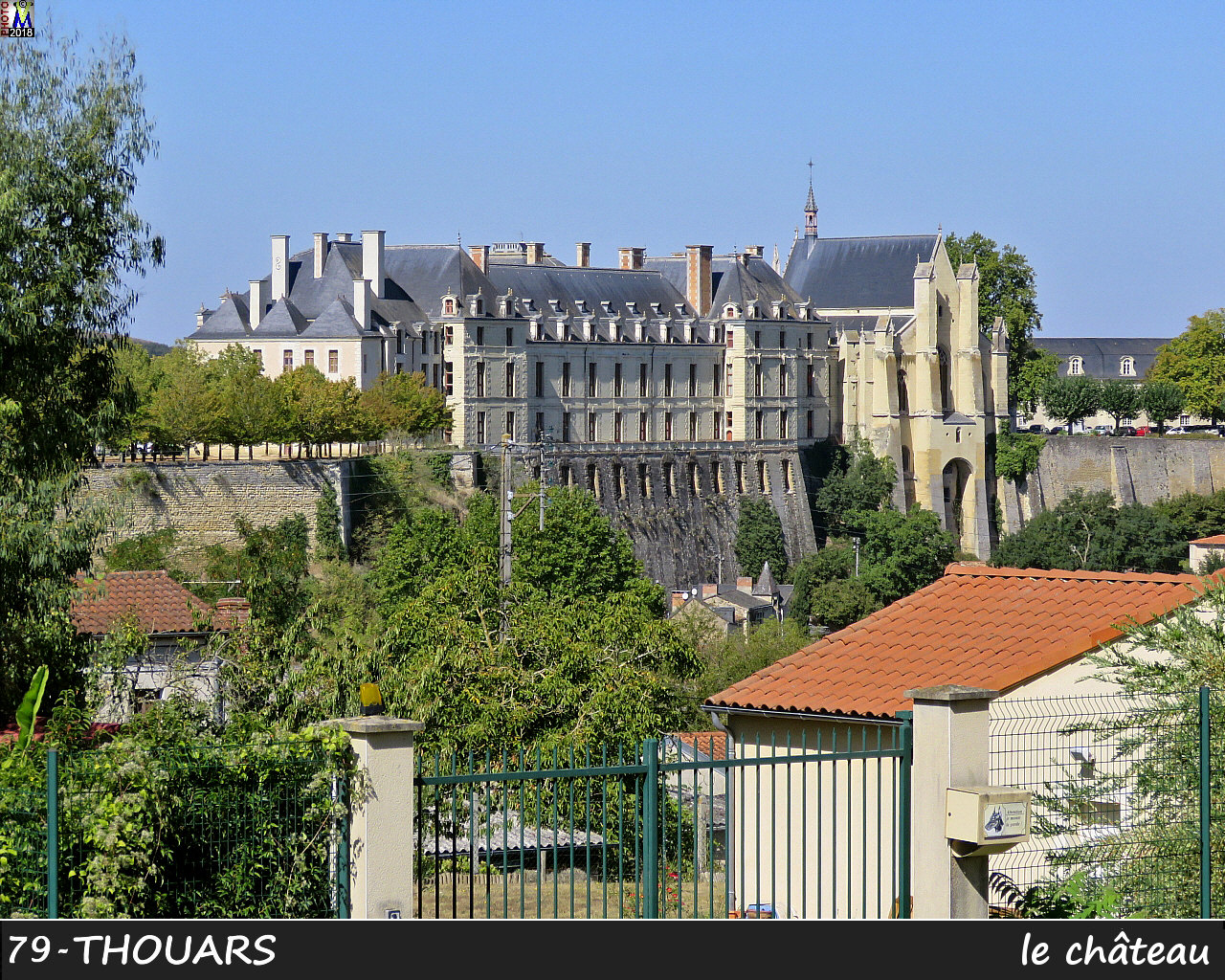 79THOUARS_chateau_1000.jpg