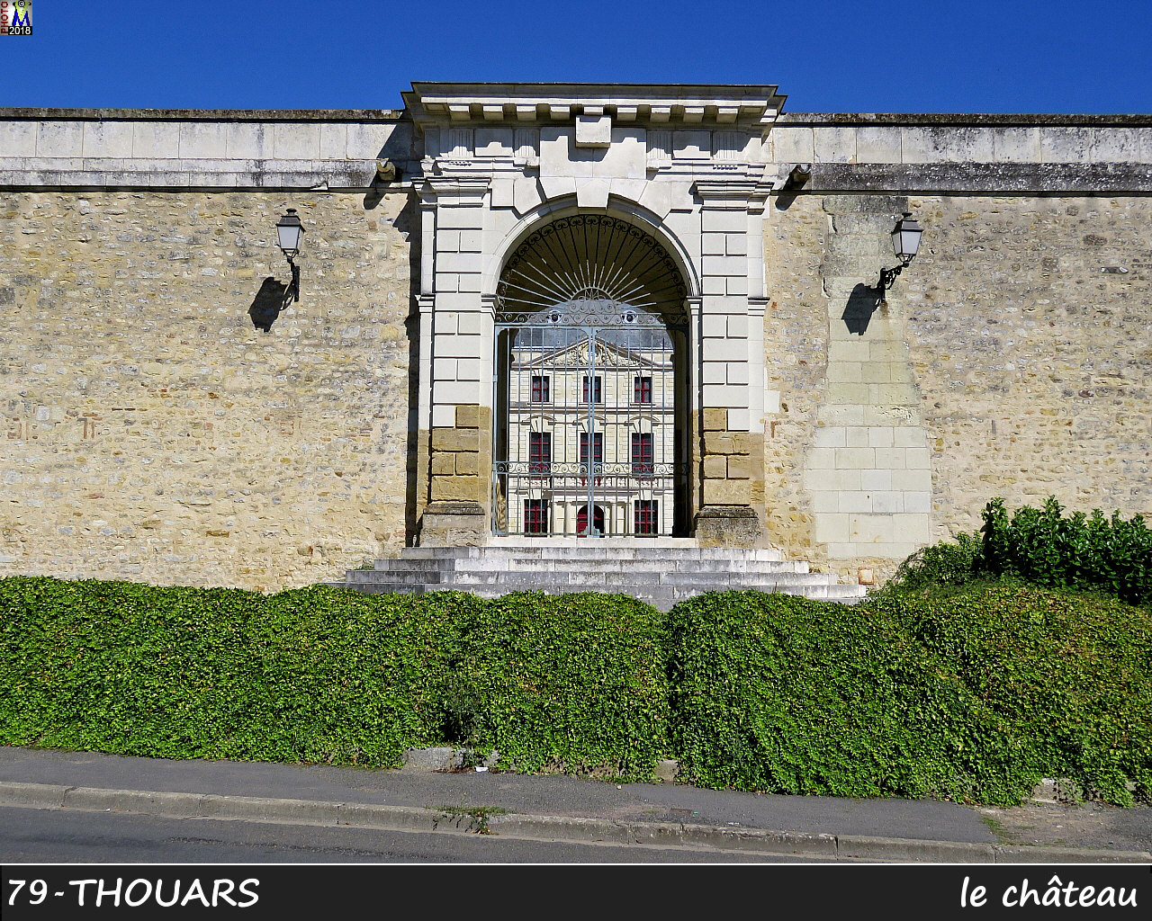 79THOUARS_chateau_1012.jpg