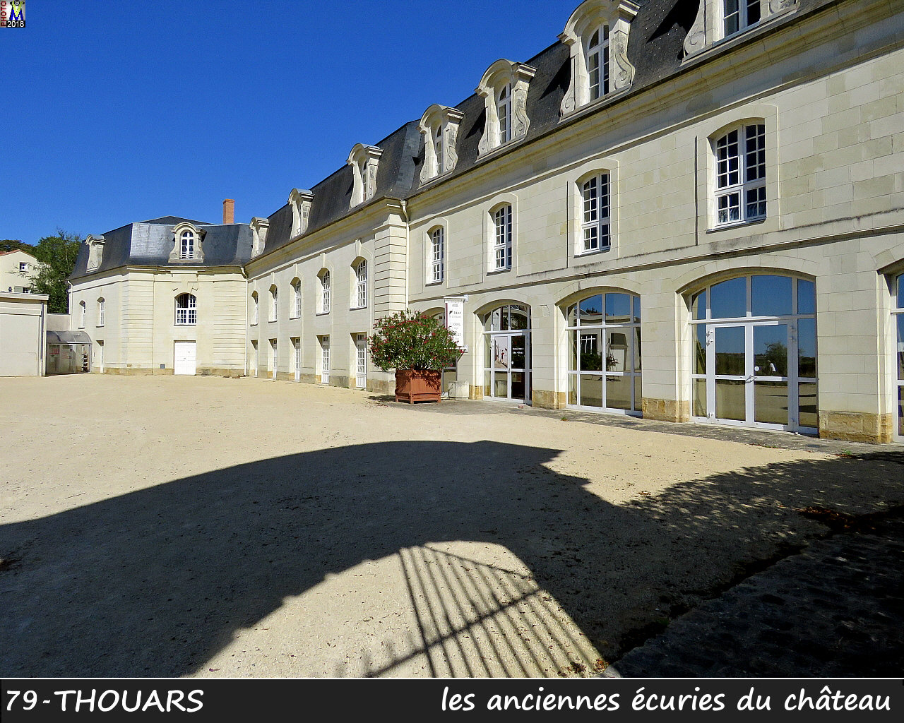 79THOUARS_chateau_1402.jpg