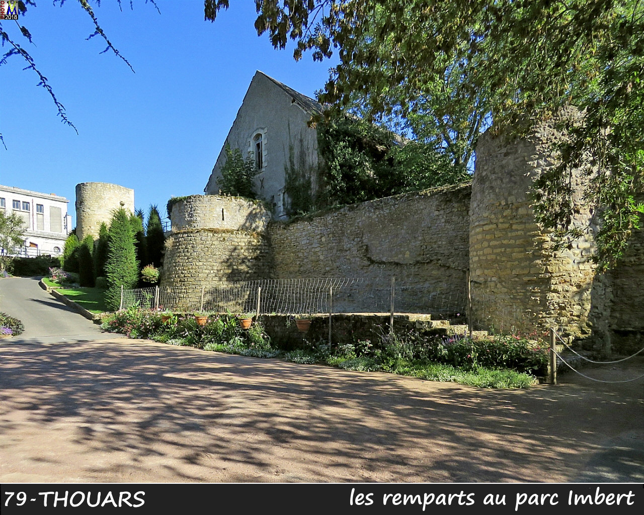 79THOUARS_remparts_1002.jpg