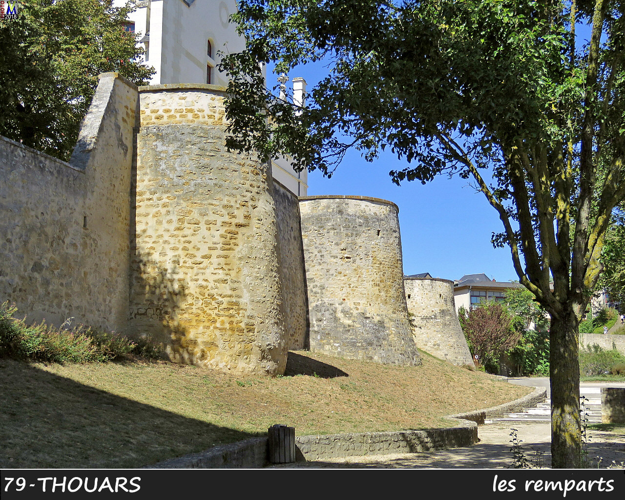 79THOUARS_remparts_1010.jpg