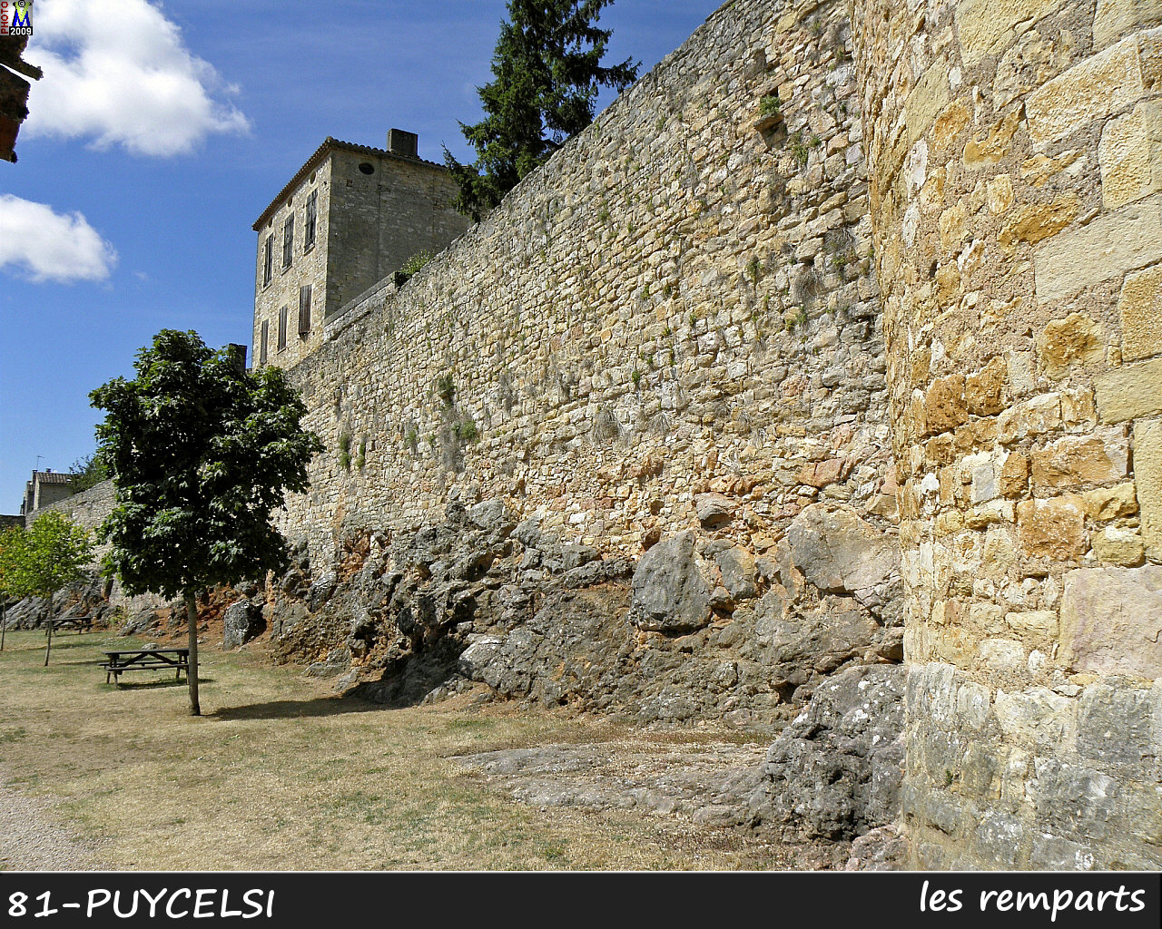 81PUYCELSI_remparts_104.jpg