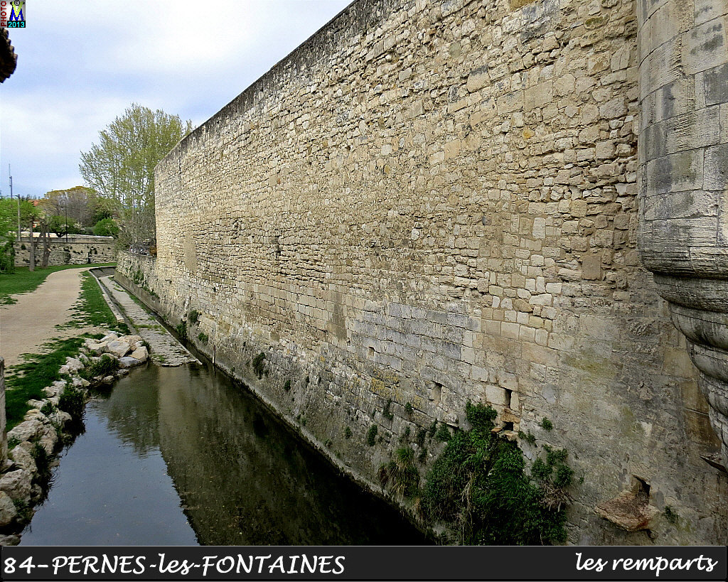 84PERNES-FONTAINES_remparts_100.jpg