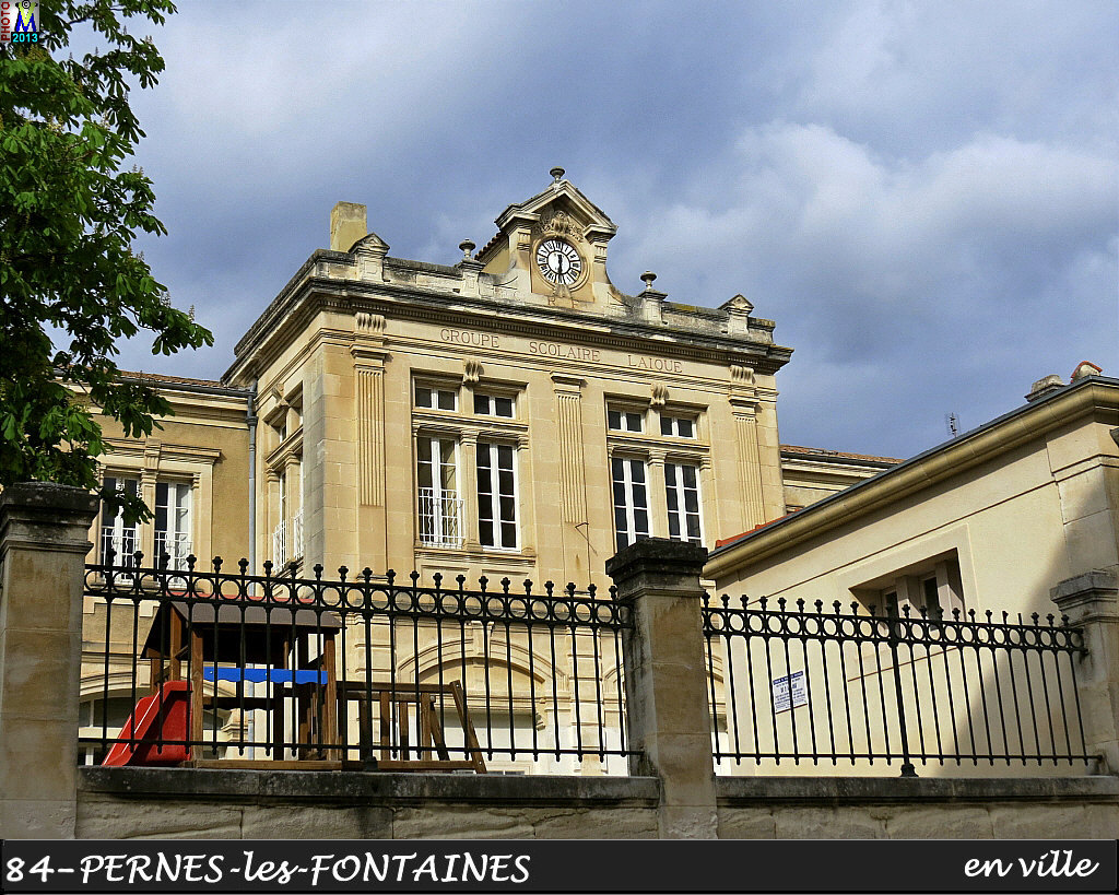 84PERNES-FONTAINES_ville_122.jpg