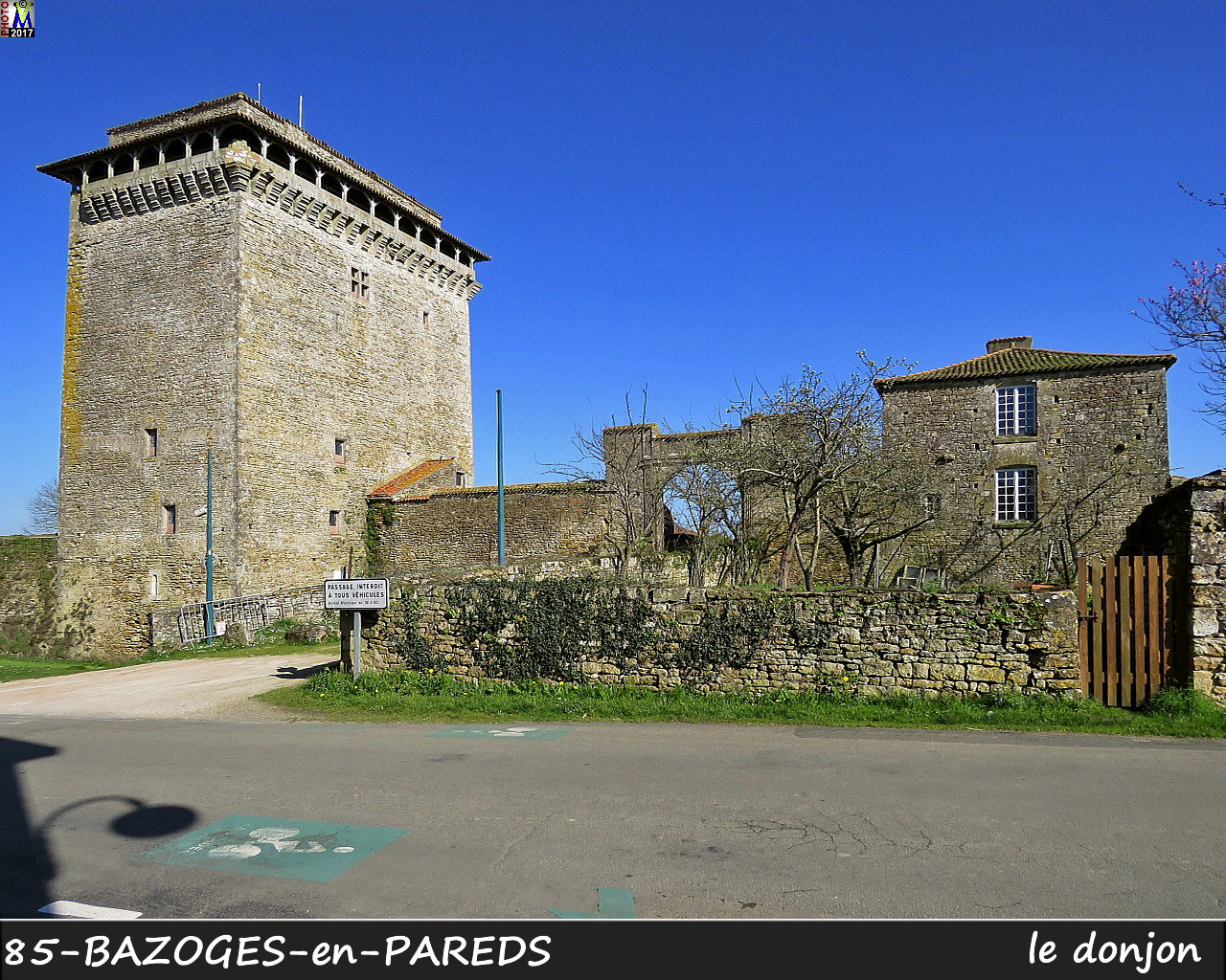 85BAZOGES-PAREDS_donjon_1002.jpg