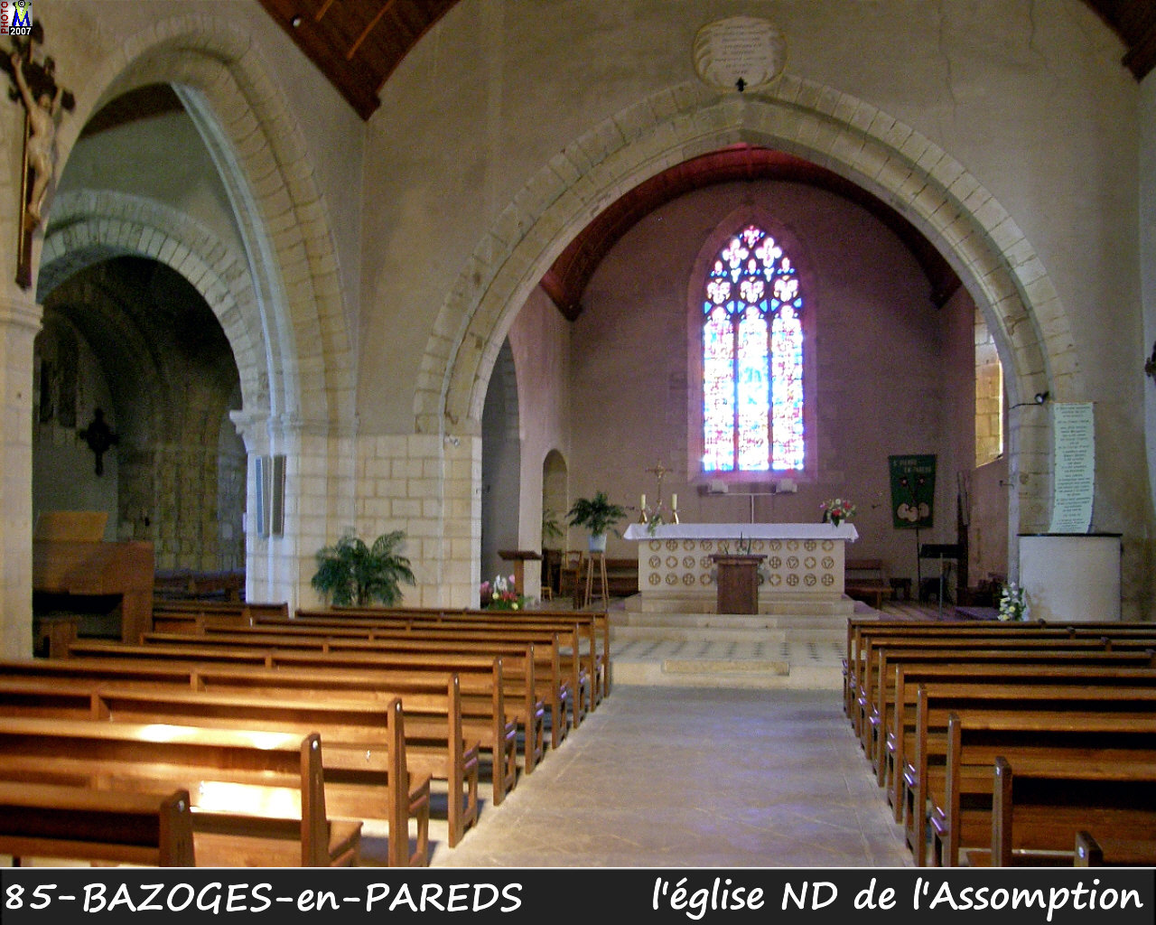 85BAZOGES-PAREDS_eglise_200.jpg