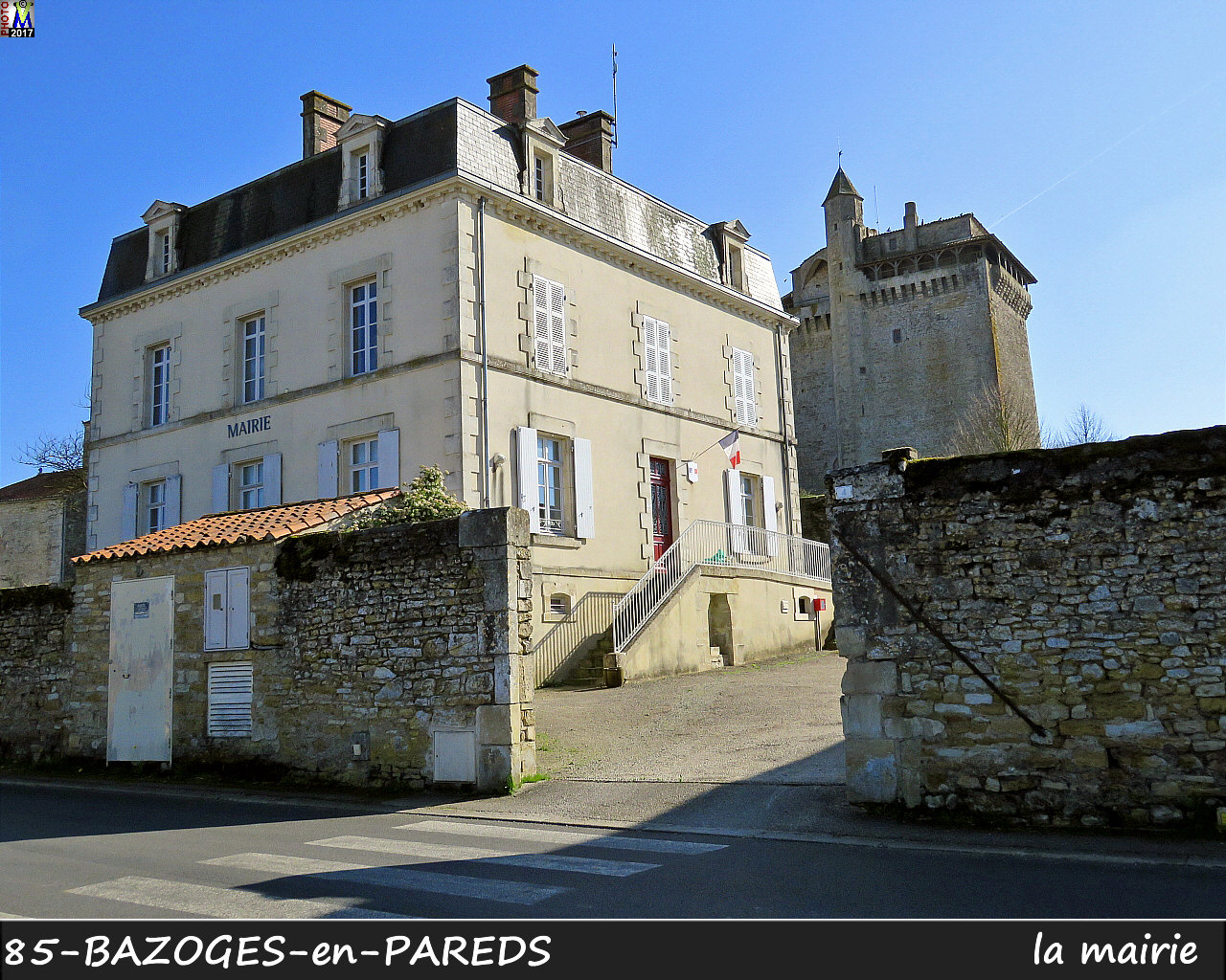 85BAZOGES-PAREDS_mairie_1000.jpg