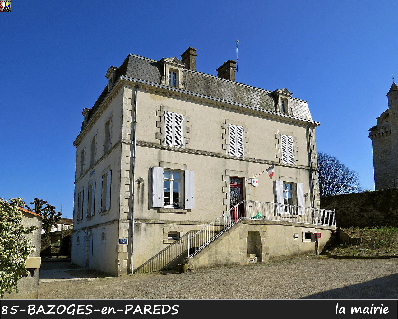 85BAZOGES-PAREDS_mairie_1002.jpg