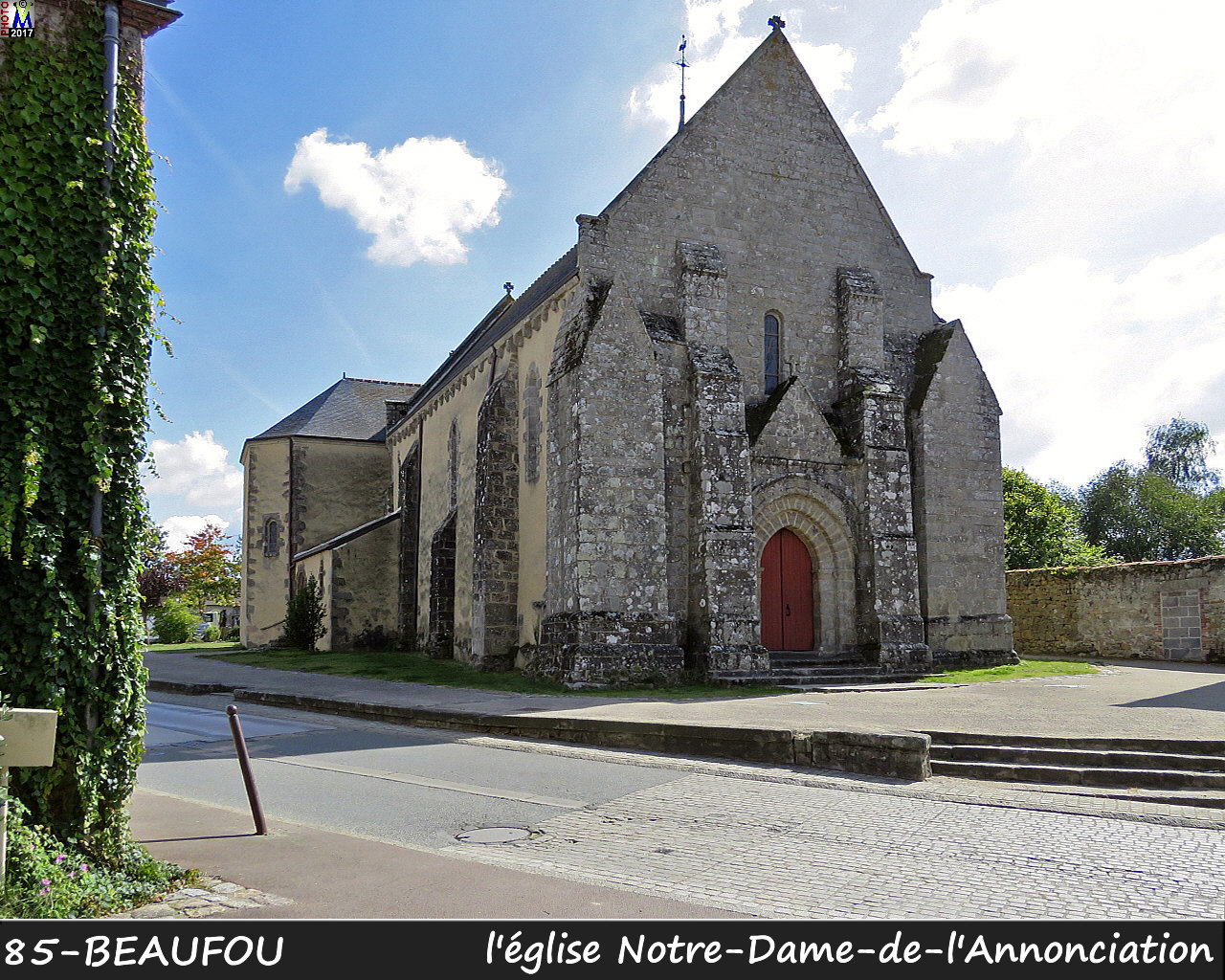 85BEAUFOU_eglise_100.jpg