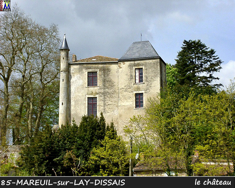 85MAREUIL-LAY_chateau_100.jpg