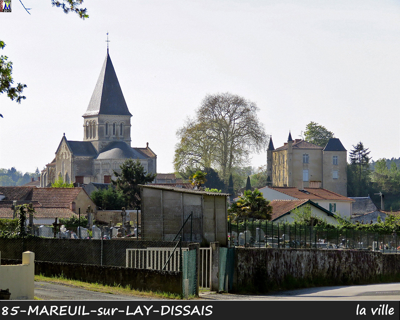 85MAREUIL-LAY_ville_1001.jpg