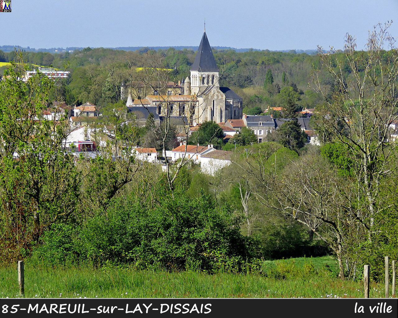 85MAREUIL-LAY_ville_1005.jpg