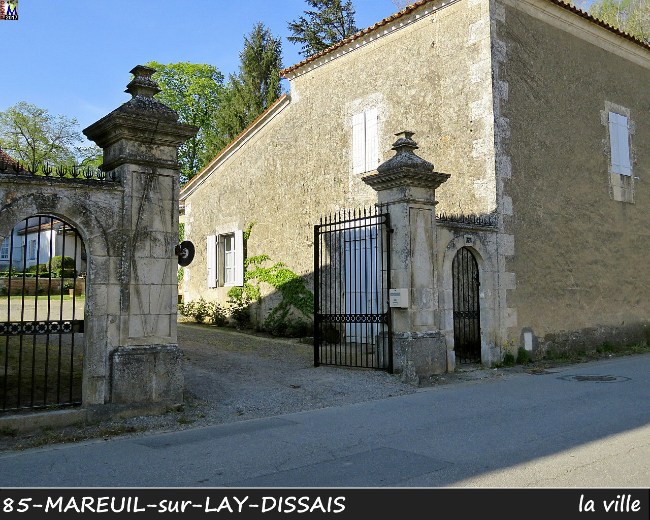 85MAREUIL-LAY_ville_1040.jpg