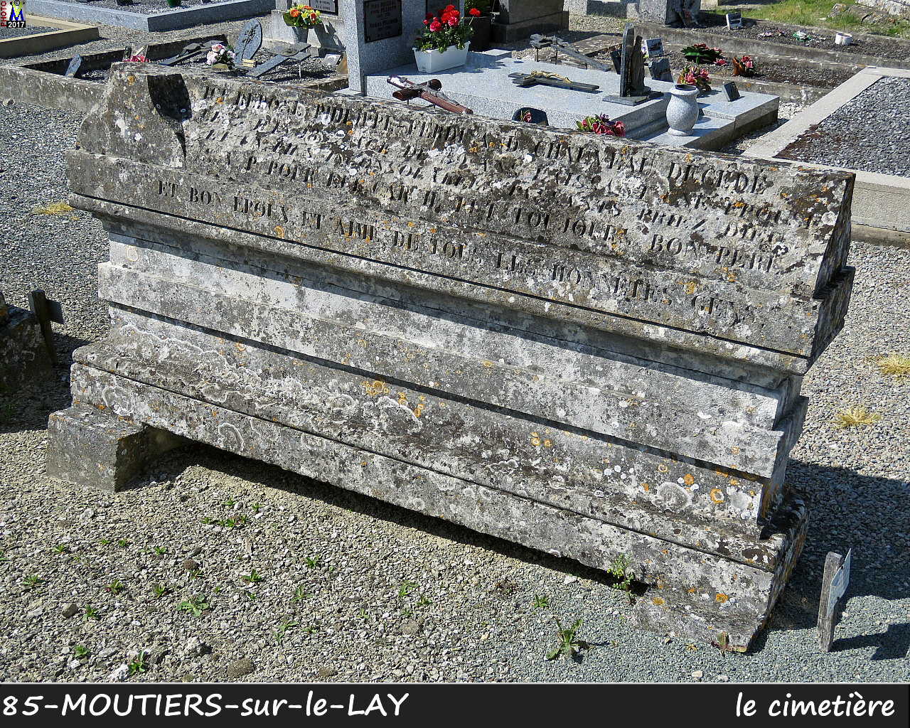 85MOUTIERS-LAY_cimetiere_1016.jpg