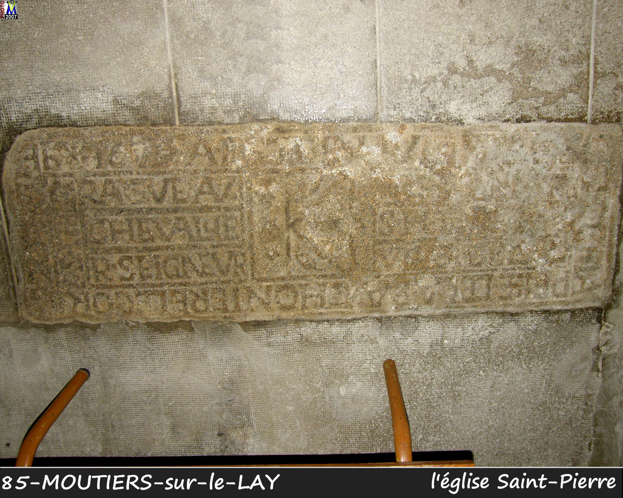 85MOUTIERS-LAY_eglise_266.jpg