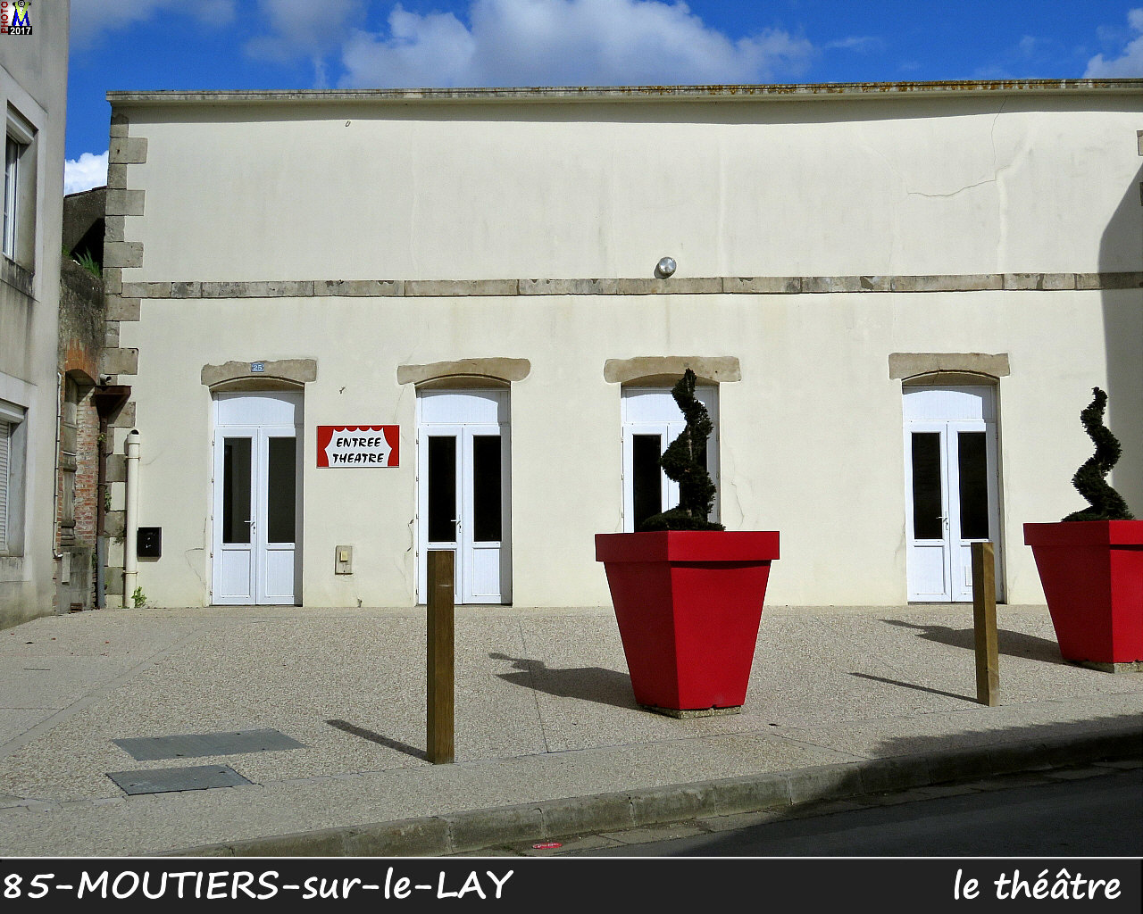 85MOUTIERS-LAY_theatre_1000.jpg