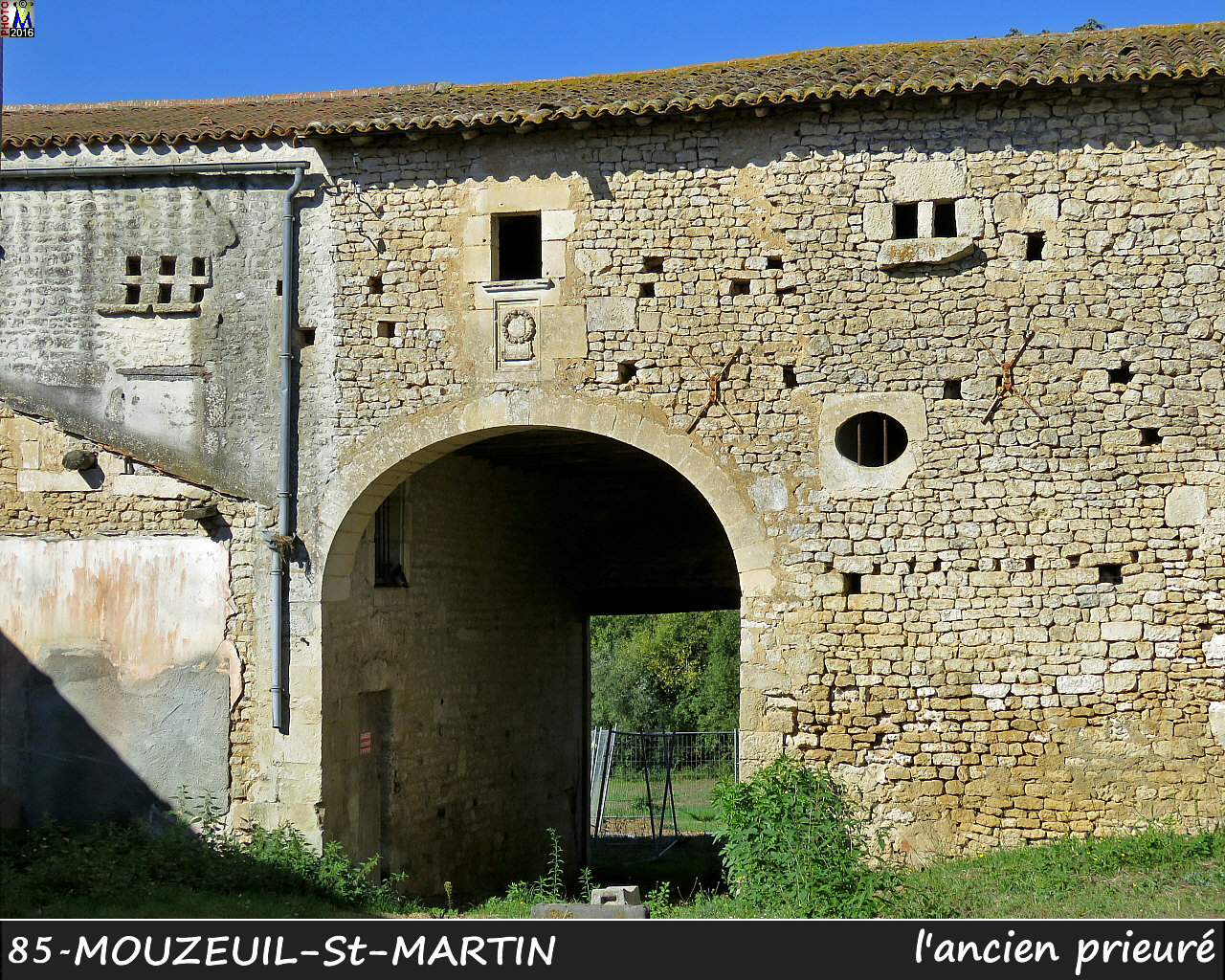 85MOUZEUIL-StMARTIN_prieure_1010.jpg
