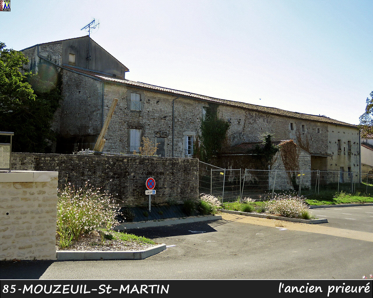 85MOUZEUIL-StMARTIN_prieure_1020.jpg