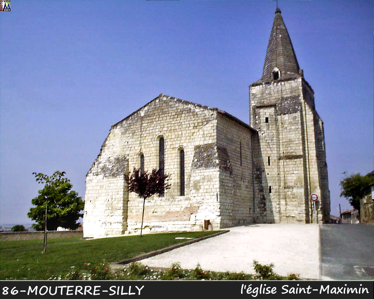 86MOUTERRE-SILLY_eglise_100.jpg