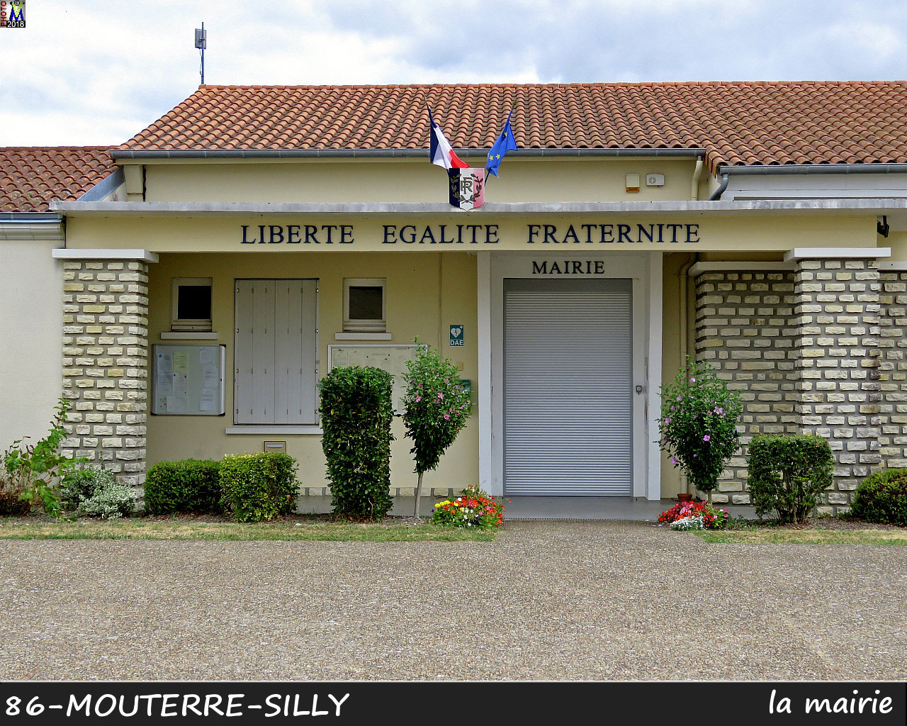 86MOUTERRE-SILLY_mairie_1000.jpg