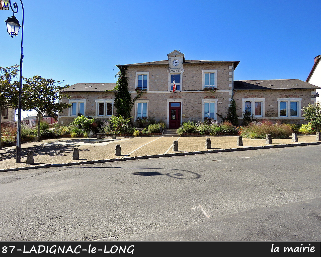 87LADIGNAC-LONG_mairie_100.jpg